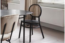 Leder du efter en spisebordsstol, der har et retro look over sig...