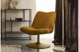 Bubba Loungestol fra Zuiver i farven Okker.