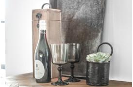 Her ses et billede af Elements vin box fra vores Unika Collection.