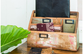 Her ses et billede af Scrapwood brevholderen fra vores Unika Collection.