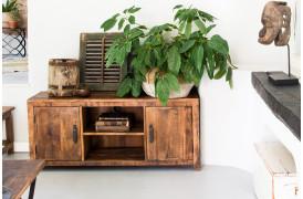 Her ses et billede af Factory tv-bord fra vores Unika Collection.