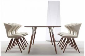 På dette billede ses Tonons Concept wood spisebordsstole med Soft touch med White skal.