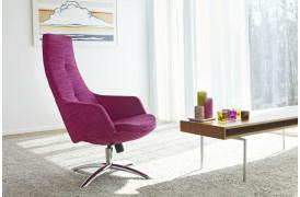 Du kan indrette dig med den smukke Joy lænestol fra Conform.