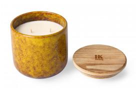 Keramisk duftlys som har en frugtig duft af citrus og fersken.