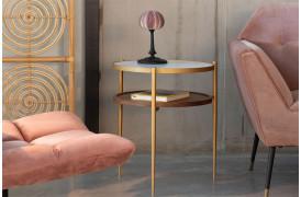 Bella er et flot sidebord med en marmor bordpladetop.