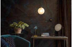 Bulan en lille lampenyhed fra Dutchbone med et spændende design.