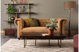 Den klassiske Chesterfield sofa er taget op igen af Dutchbone...