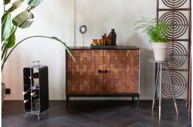Dekorativt skab til opbevaring fra Dutchbone med et flot mønster på trælågerne.