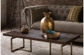 Class sofabordet fra Dutchbone er en bord med sildebens-mønster på bordpladen.