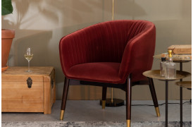 Dolly lænestolen er en stolenyhed, der er online hos BoShop.