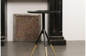 Billedet viser Dutchbones sidebord med navnet Elia.