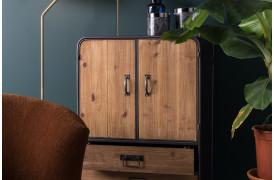 Dutchbones gin skab til boligen kan købes online hos BoShop.