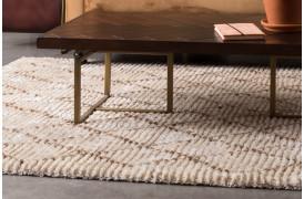 Jafar tæppet er et flot og dekorativt tæppe i beige og brune farver.