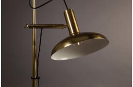 Billedet viser Karish gulvlampen fra Dutchbone.