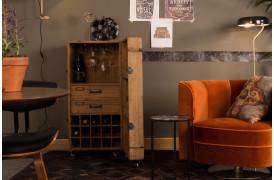 Billedet viser hvordan man har indrettet sig med Lico barskabet til venstre.