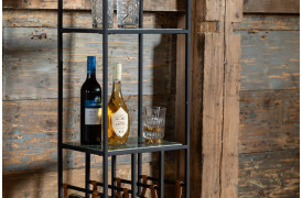 Dutchbone er et nyt mærke hos BoShop, her med marmor vinreolen Mil.