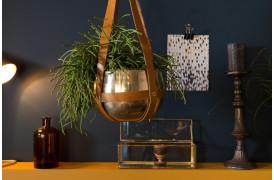 Oasis planteskjuleren fra Dutchbone er formet som en krukke med læderremme.