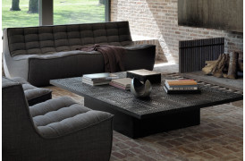 Se den nye Ethnicraft møbelkollektion på BoShops hjemmeside.
