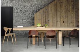 Ethnicrafts spisebord Double Eg ses på dette billede.