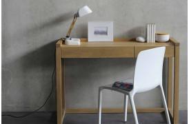 Dette er et billede af Ethnicraft konsolbordet Frame PC Eg i træ, som kan købes online hos os.