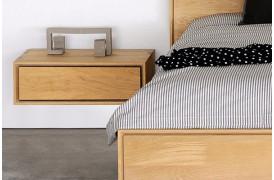Nordic Eg - væghængt natbord fra Ethnicraft ses her på billedet.
