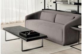 Ethnicrafts dygtige håndværkere har lavet dette flotte sofabord.