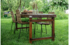 Her ses et billede af Folde spisebordet.i brun fra vores Unika Collection sammen med Rope Slim spisebordsstol i natur.