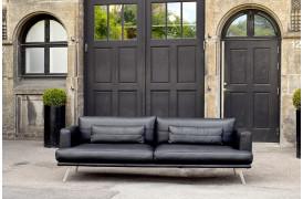 Dette er et billede af Living Deluxes Forli L lædersofa i sort læder.