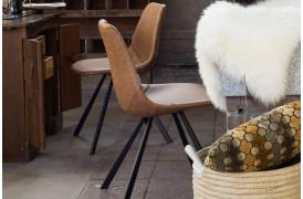 Her ses et billede af Franky spisebordsstol i brun fra Dutchbone.