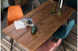 Her ses et billede af Franky velour spisebordsstole fra Dutchbone.