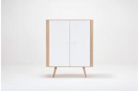 En ny serie af skabe og opbevaringsmøbler med navnet Ena fås hos BoShop.
