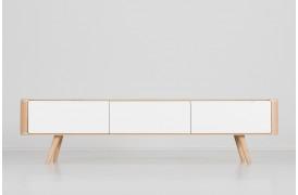 Ena tv-bordet på 180 cm fås med to forskellige dybder.