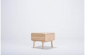 Fawn natbordet fra møbelmærket Gazzda.