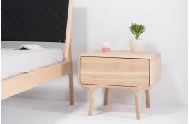 Fawn egetræs natbord med praktisk skuffe.