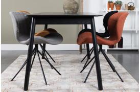 Her ses et billede af Glimps spisebordet i sort fra Zuiver.