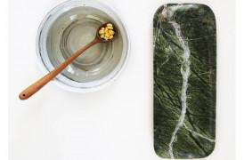 Pyntebakke til accessories i grøn marmor.