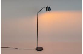Her ses et billede af Hajo gulvlampen fra Decoholic.