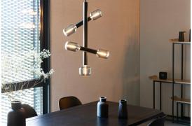 Her ses et billede af Hawk Tall loftslampe og pendel fra Zuiver.