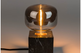 Her ses et billede af Hazy wide pære fra Zuiver.