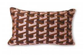 Flot pude med et geometrisk mønster foran i flotte farver og en ensfarvet bagside i bordeaux.