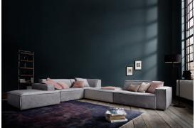 Upper East er en flyder sofa, der kan fås i stof og læder til dit hjem fra Indomo.