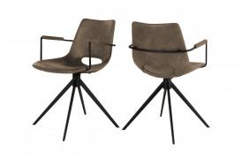 Her ser du et billede af Joe spisebordsstol i farven Light brown med armlæn og drejestel.