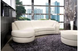 Rusco l er en flot lædersofa fra Kelvin Giormani med et rundt design.