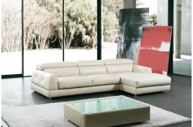 Lædersofaen Adria er en sofa fra Kelvin Giormani, der har et elegant udtryk.