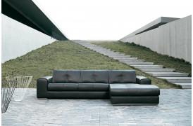 Kelvin Giormani sofaen hedder Tolentino og er en stilfuld lædersofa til boligen.