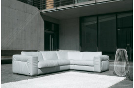 BoShop sælger sofaen Rivoli ll, som er en luksuriøs lædersofa fra Kelvin Giormani.