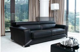 Med sin enkelhed i sit design er denne sofa fra Kelvin Giormani værd at overveje.