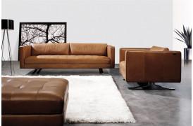 Kelvin Giormani sofaen Sorano lædersofa kan ses i vores butik i Århus.