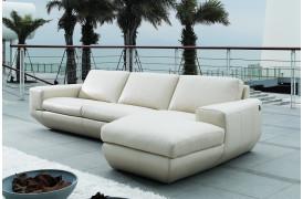 Nepi er en lædersofa fra kvalitetsmærket Kelvin Giormani.