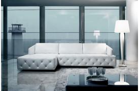 Kelvin Giormani lædersofaen Vieste ll er kendetegnet med de flotte stikninger i designet.